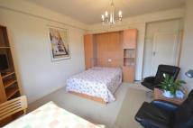 Studio apartment to rent in Grove Hall Court...