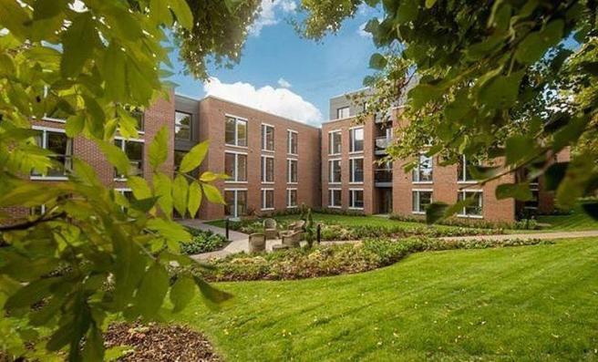 Glenhills Court