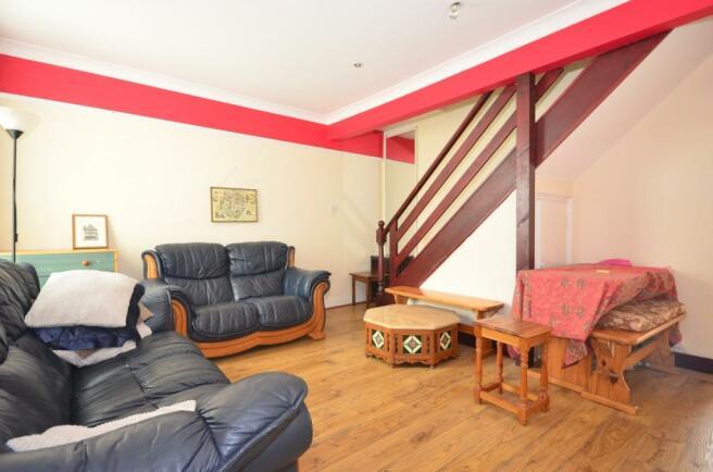 47 tudor road lounge