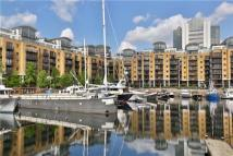 Flat to rent in Star Place, Wapping...