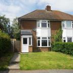 3 bed property to rent in Northfields, DUNSTABLE