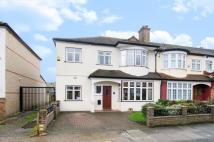 5 bed End of Terrace home in Elmhurst Avenue, Mitcham...
