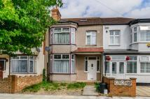 5 bedroom house in St James Road, Mitcham...