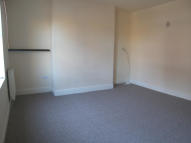 Flat to rent in FLETCHER STREET...