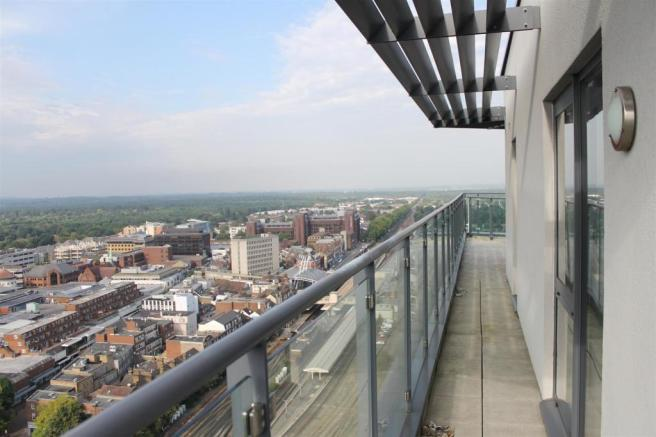 Side Terrace Town Vi