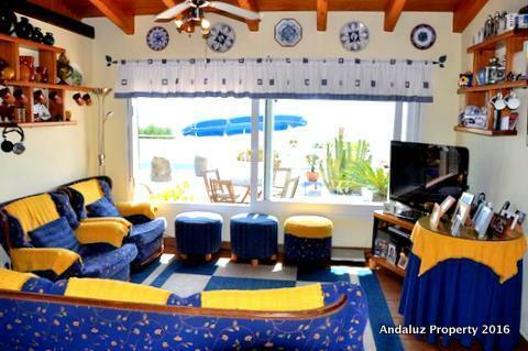 2nd lounge area