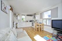 3 bedroom Maisonette to rent in Kingsway, London, SW14