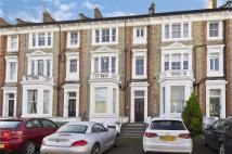 2 bed Flat to rent in The Barons, Twickenham...