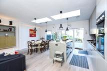 5 bed house to rent in Swains Lane Highgate N6