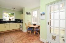 Apartment to rent in Northwood Road Highgate...
