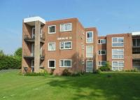 2 bed Flat for sale in Station Road...