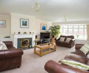 Detached property in Newstead Drive, Southam