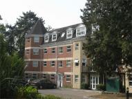 Apartment in Elmhurst Court...