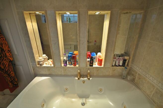 Juccuzzi Bath