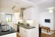 Apartment in Kew Bridge Court Kew...