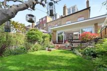 4 bed home in Beversbrook Road, London...