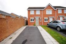 2 bed property to rent in Beechwood Close...