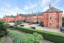 Town House in Repton Park...