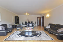 4 bedroom Apartment in PORCHESTER TERRACE...