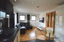 Flat to rent in Talacre Road...