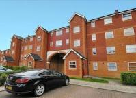 Studio apartment to rent in Massingberd Way, London...