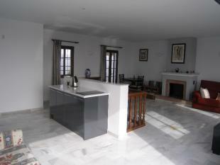 kitchen to lounge ar