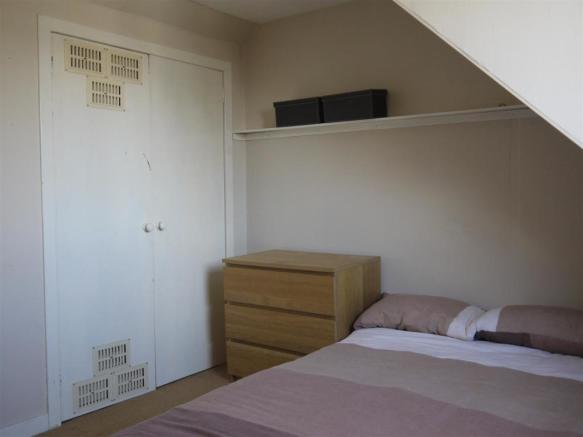 bedroom31.JPG