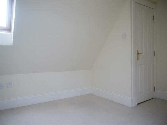bedroom33.JPG