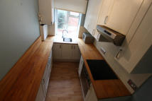 Ground Maisonette to rent in AVENUE ROAD, London, N14