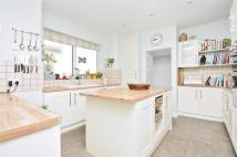 3 bed Duplex in Coverton Road, London