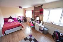 1 bed semi detached house in Double Room @ 11...