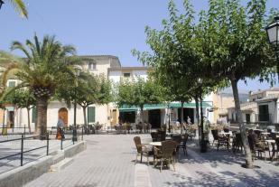 Campanet Plaza