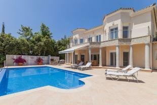 fasade and pool