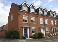 Town House in Sculthorpe Close, Oakham