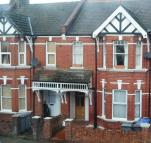 Flat in Wotten Road, NW2