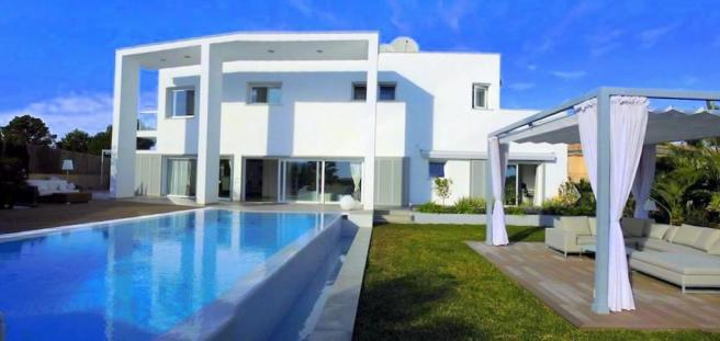 VILLA FOR SALE IN SA