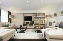 4 bed Detached house in Woodfield Way...