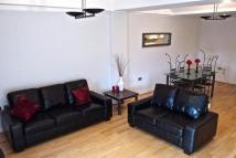 Flat to rent in Coverdale Road N11 3FF