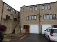 End of Terrace house for sale in Parkland Avenue...