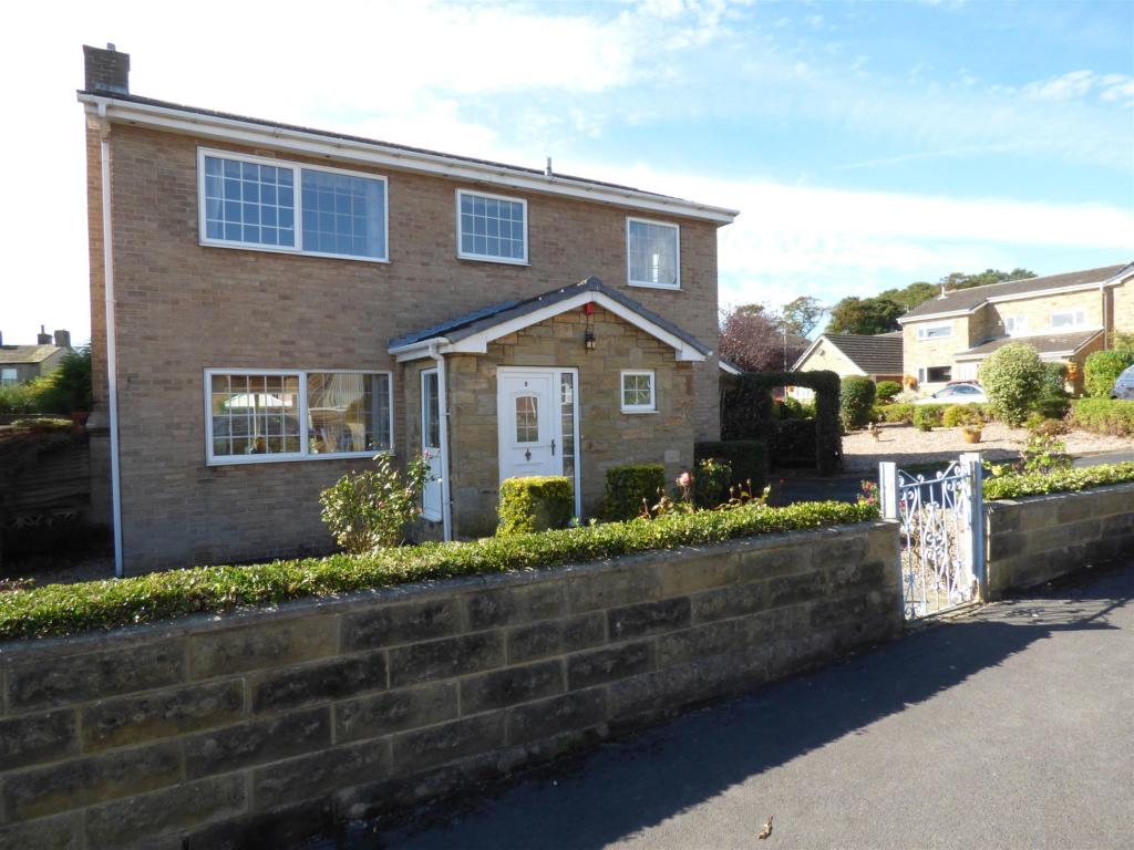 3 bedroom detached house for sale - Hepworth Close, Mirfield, WF14 0PP