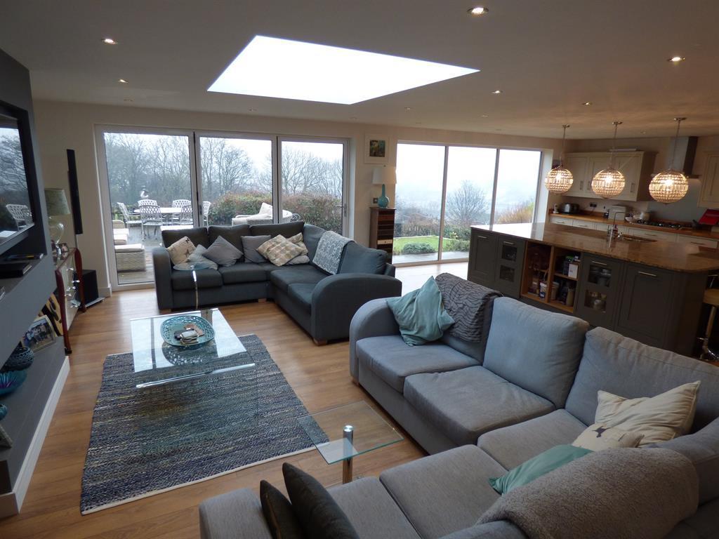 4 bedroom detached house for sale - Hopton Lane, Mirfield, WF14 8JS