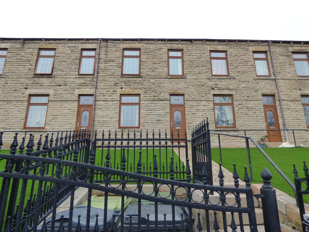 2 bedroom terraced house to rent - Bradford Road, Batley, WF17 8HZ