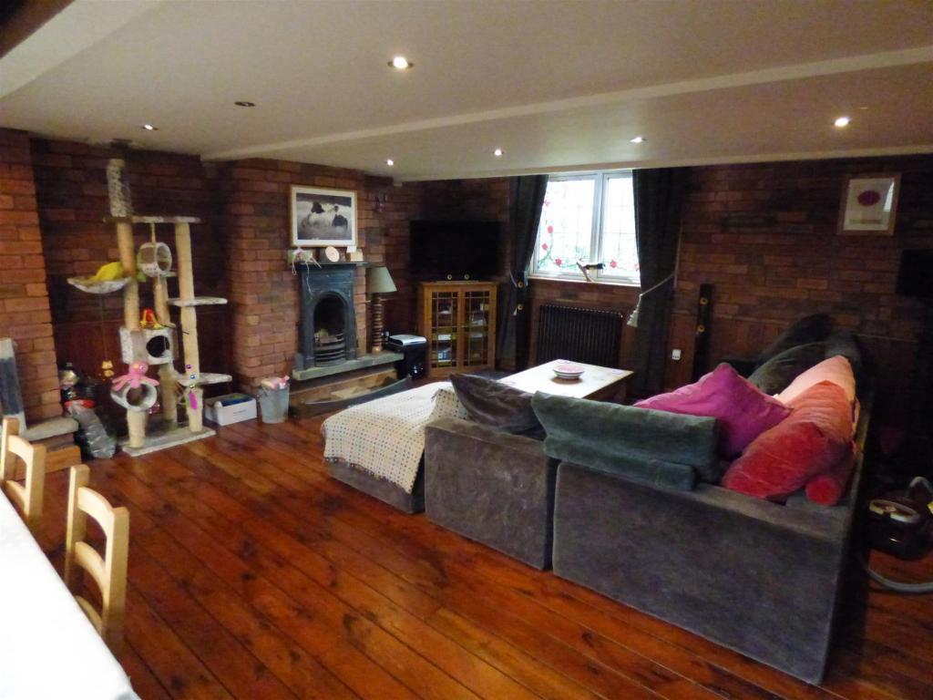1 bedroom maisonette to rent - Halifax Road, Liversedge, WF15 6NR