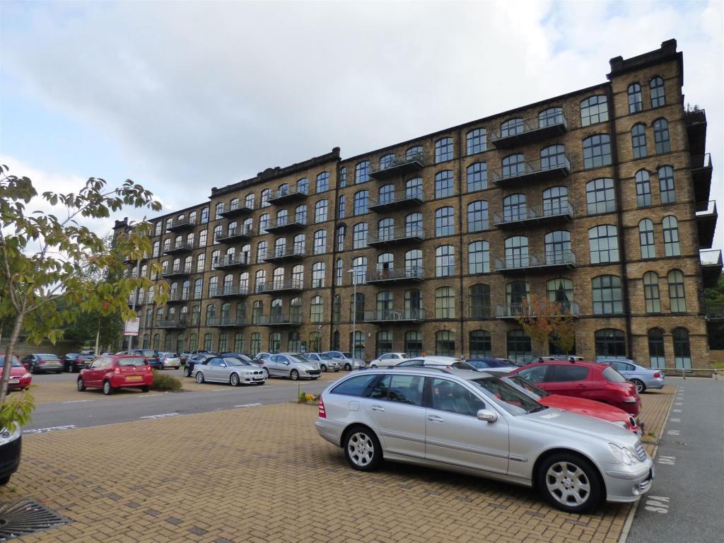 2 bedroom apartment to rent - Titanic Mill, Huddersfield, HD7 5UN