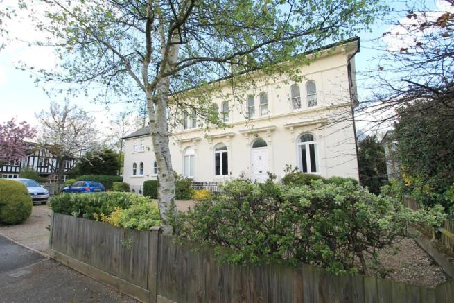 2 Bedroom Flat For Sale In Lawrie Park Gardens Sydenham SE26