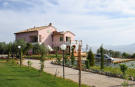 8 bedroom Villa in Umbria, Perugia, Cannara