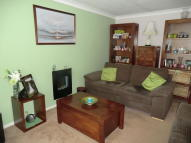 2 bedroom Semi-Detached Bungalow in Chestnut Close...
