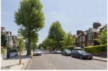3 bed Flat to rent in Highlever Road...