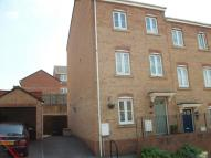 4 bed Town House in Kingfisher Road...