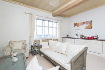 1 bed Apartment to rent in Grosvenor Square, London...